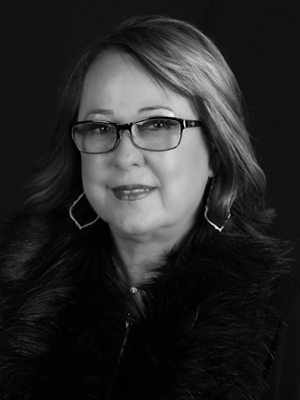Debbie Russell headshot