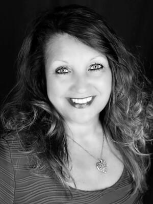 Karen Ogle headshot