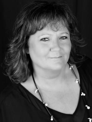 Pam Allen headshot